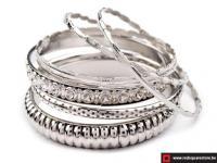 Bangle armband bestaande uit 7 afzonderlijke armbanden - grijs