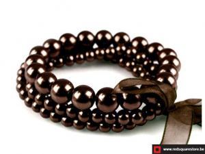 Armband van gewaxte parels bestaande uit 3 rijen - bruin